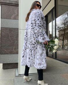 Lynx, Fur Coats, Jackets, Fashion, Down Jackets, Moda, Fashion Styles, Fur Coat, Fashion Illustrations