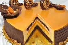 tort mousse caise si mousse caramel 106 Sweets Recipes, Cake Recipes, Romanian Desserts, Torte Cake, Chocolate Lava Cake, Lava Cakes, Just Cakes, Mousse Cake, French Pastries