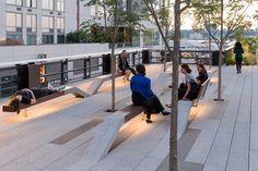 """Imagem 8 de 28 da galeria de Um passeio pelo High Line com Iwan Baan. Trecho """"The Grove"""" do High Line no Rail Yards. Urban Furniture, Street Furniture, Urban Landscape, Landscape Design, Landscape Architecture, Architecture Design, Architecture Diagrams, Architecture Portfolio, Public Seating"""