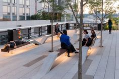 Take a Walk on the High Line with Iwan Baan,The Grove section of the High Line at the Rail Yards. Image © Iwan Baan, 2014 (Section 3)