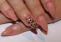 If i were going to do stilleto nails THIS is how i would get them done!