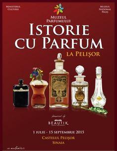 Sticle de parfum de colectie la Muzeul Parfumului