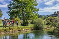 Pour pêcher dans un cadre idyllique rendez-vous à la base de loisirs de la Germanette à 3  Km de Serres. #paysdubuech #myhautesalpes #paca Provence, Golf Courses, Tax Day Deals, Green Houses, Mountains, Hobbies, House, Provence France