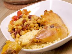 Tajine de poulet à la marocaine How To Peel Tomatoes, Moroccan Chicken, Chicken Legs, Macaroni And Cheese, Garlic, Spices, Dishes, Meat, Vegetables
