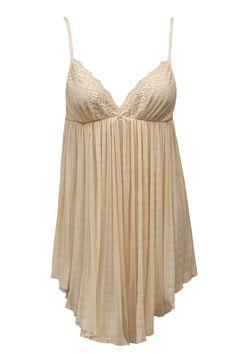 Halka - Louise   Chemise - Louise   169,90PLN #halka #bielizna #ecru #koronka #seksowna #romantyczna #chemise #lingerie #sexy #romantic #lace #intimate #annebra
