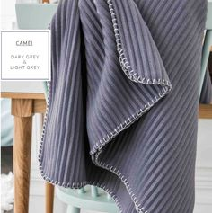 Sivá hrejivá deka do kočíka vo francúzskom štýle