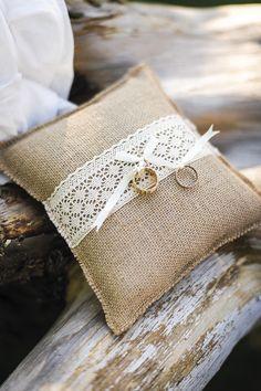 Mariage Coussin Wedding Ring Cushion, Wedding Pillows, Cushion Ring, Wedding Ring Box, Blue Wedding, Rustic Wedding, Wedding Flowers, Ring Pillows, Vintage Diy
