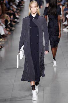 DKNY Spring 2016 Ready-to-Wear Fashion Show - Eva Berzina