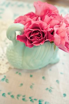 romantic and vintage table display detail
