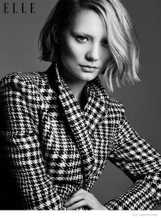 Mia Wasikowska 2014 Photos02 Mia Wasikowska Wears Fall Style for Elle Canada Cover Story