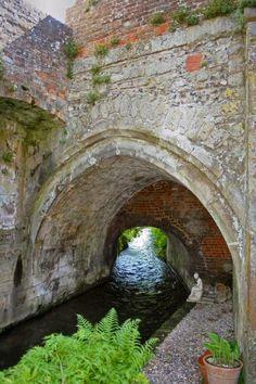 12th century deLucy Bridge, The Soke, Alresford, Hampshire, England