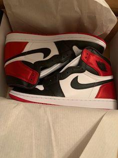 Adidas Shoes Outfit, All Nike Shoes, Hype Shoes, New Shoes, Jordan Shoes Girls, Jordans Girls, Girls Shoes, Retro Jordans, Air Jordans