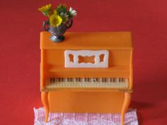 "Vintage Miniature Dollhouse Piano 1950's Plastic  3/4"" Scale on Etsy, $8.50"