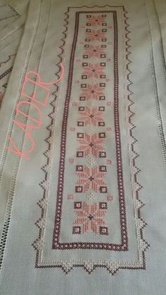 This Pin was discovered by HUZ Free Cross Stitch Charts, Cross Stitch Bookmarks, Just Cross Stitch, Cross Stitch Borders, Cross Stitch Designs, Cross Stitching, Cross Stitch Patterns, Wool Embroidery, Hardanger Embroidery