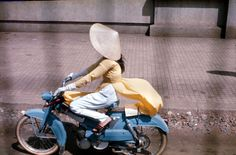 vintage everyday: Color Photos of Young Girls on Saigon Streets in the 1960s
