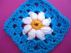 Excellent tutorial for a Daisy Granny Square!!  @Bunny Mummy
