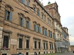 """Piazza Roma, Modena - """"Modena, Itália – roteiro de um dia especial"""" by @Alexandra Aranovich"""