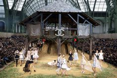 fashion show chanel - Cerca con Google