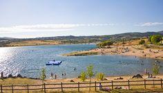 Uma seleção das melhores praias fluviais para crianças de norte a sul do país. A…