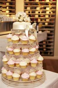 Love the idea of a cupcake cake. Then there isn't a hassle over cutting the cake!