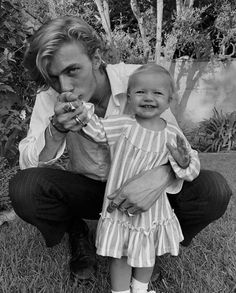 Lucky Blue and Gravity Smith Cute Family, Baby Family, Family Goals, Family Life, Daddy Daughter, Baby Daddy, Little People, Little Ones, Cute Kids