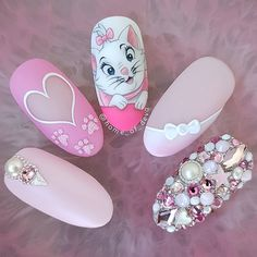 Beautiful hand painted Aristocats Marie nails by Ugly Duckling Art Educator ? Ugly Duckling Nails is dedicated to keeping love support and positivity flowing in our industry ? Nail Art Disney, Disney Acrylic Nails, Cute Nail Art, Cute Nails, Pretty Nails, Nail Art Designs, Acrylic Nail Designs, Disney Nail Designs, Nails Design