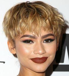 Zendaya S New Blonde Hair Short Hair Bowl Cut And Haircuts