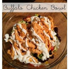 21 Day Fix approved Buffalo Chicken Bowls with Greek Yogurt Ranch Dressing. Quick dinner or lunch idea and so satisfying. Great healthy recipe! www.kelseytorr.com