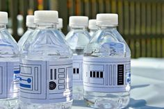 Lego Star Wars Party Free Water Bottle Printables - Printable Star Wars - Ideas of Printable Star Wars - Lego Star Wars Party Free Water Bottle Printables Star Wars Baby, Theme Star Wars, Lego Star Wars, Star Wars Food, Star Wars Party Food, Star Wars Essen, Aniversario Star Wars, Party Set, Star Wars Quotes