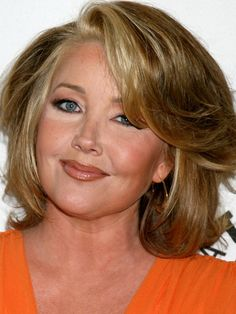 Melody Thomas Scott has the best hair.no matter how she has it cut, it always looks great! Short Bob Cuts, Mom Hairstyles, Round Face Haircuts, Classic Movie Stars, Shoulder Length, Simply Beautiful, Beauty Secrets, New Hair, Short Hair Styles