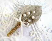 Set of 5- Burlap Groom's Boutonniere for Wedding Rustic Bout with white pearls