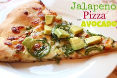 Pizza with a Mexican twist, jalapeno and avocado makes this new fusion pizza HUGE hit, delicious flavors some together for a great new favorite pizza Avocado Recipes, Spicy Recipes, Pizza Recipes, Italian Recipes, Vegetarian Recipes, Dinner Recipes, Healthy Recipes, Avocado Pizza, Avocado Art
