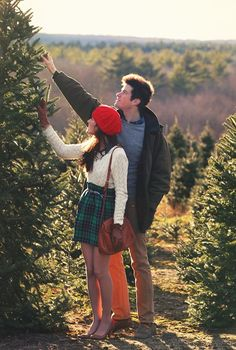 Henry's Christmas Tree Farm on Seven Mile Road - Classy Girls Wear Pearls Green Plaid Skirt, Plaid Skirts, Holiday Fashion, Autumn Winter Fashion, Holiday Style, Winter Style, Preppy Style, My Style, Daily Style