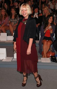Sia Furler Photos Photos - Singer Sia Furler attends the Christian Siriano Spring 2011 fashion show during Mercedes-Benz Fashion Week at The Stage at Lincoln Center on September 9, 2010 in New York City. - Christian Siriano - Front Row - Spring 2011 MBFW