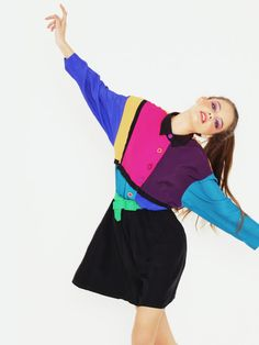 Colour blocking and dancing