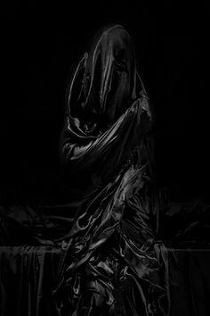 nero---➽ nigrum➽μαύρος➽black➽negro➽schwarz➽黑➽ أسود Black Art, Black And White, Color Black, Fade To Black, Dark Photography, Dark Matter, Shades Of Black, Black Is Beautiful, Macabre