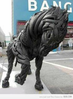 Just a horse made of car tires, gilee dari ban bekas.... Creative banget nih org