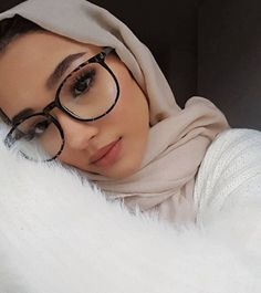 Modern Hijab Fashion, Modesty Fashion, Street Hijab Fashion, Hijab Fashion Inspiration, Muslim Fashion, Hijab Turban Style, Mode Turban, Hijabi Girl, Girl Hijab