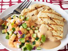 Grilled chicken with cucumber-melon relish and peanut sauce - an easy weekday meal the whole family will enjoy.