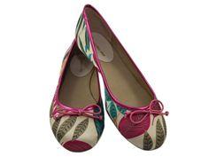Sapatilha Floral Pink, apenas R$79.90 + frete grátis! Para verificar a numeração e efetuar a compra é só entrar em contato pelo e-mail: vendas@sapatilhashop.com.br