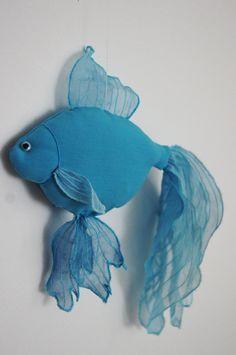 Original Blue GoldFish Diaper / Wall Decoration / By KraftyCuts - . : Original Blue GoldFish Diaper / Wall Decoration / By KraftyCuts – Fabric Toys, Fabric Art, Fabric Crafts, Blue Fabric, Sewing Toys, Sewing Crafts, Sewing Projects, Fabric Fish, Arts And Crafts
