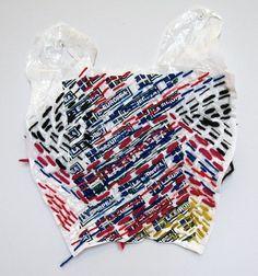 Plastic Baskets by Josh Blackwell https://www.design-miss.com/plastic-baskets-by-josh-blackwell/ Una collezione ecologica che nasce dall'attenzione all'ambiente e dalla riflessione sul degrado generato dall'abuso nell'utilizzo dellebuste di plastica. I sacchetti vengono usati e scartati in un lasso di tempo brevissimo, quando sono ancora in condizioniperfette ed i...