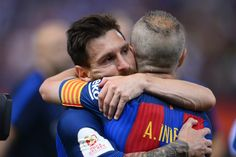 Friends and teammates and embrace Fc Barcelona, Uefa Super Cup, Match Score, Sports Gallery, Transfer Rumours, Leo, Live Matches, Football Match, Premier League