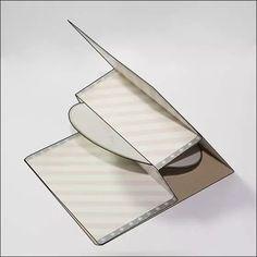 ber ideen zu cd h llen auf pinterest dvd h llen alte cds und cd kunst. Black Bedroom Furniture Sets. Home Design Ideas
