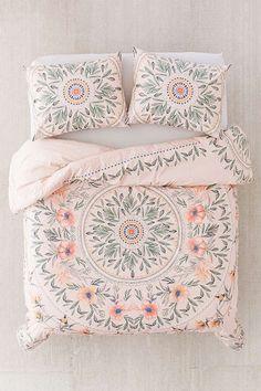 Slide View: 2: Iris Sketched Floral Comforter
