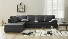 Beautiful black leather corner lounge with chaise in genuine 100% leather - Seats 5.