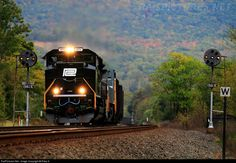 RailPictures.Net Photo: NS 1073 Norfolk Southern EMD SD70ACe at Mill Creek, Pennsylvania by Riley K.