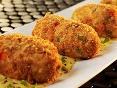 Learn how to cook/make Chicken and Rice Croquettes. Recipe of Chicken and Rice Croquettes with ingredients and cooking instruction. Ww Recipes, Chicken Recipes, Cooking Recipes, Healthy Recipes, Recipe Chicken, Skinny Recipes, Dinner Recipes, Chicken Meals, Entree Recipes