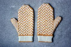 Ravelry: vivianhuang's smith mittens