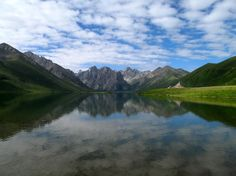Glacial lake on the Tibetan Plateau (Credit: Trevor Nace)